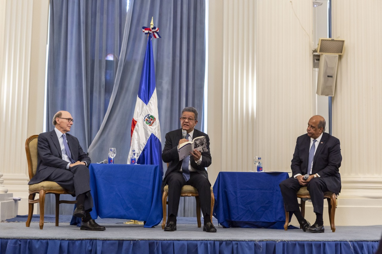 Special Guests Included Secretary General Of The Oas Luis Almagro José Tomás Pérez Ambador Dominican Republic To United States America